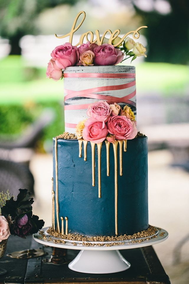 "2 tier: 6"" / 8"" ribbon and drip"
