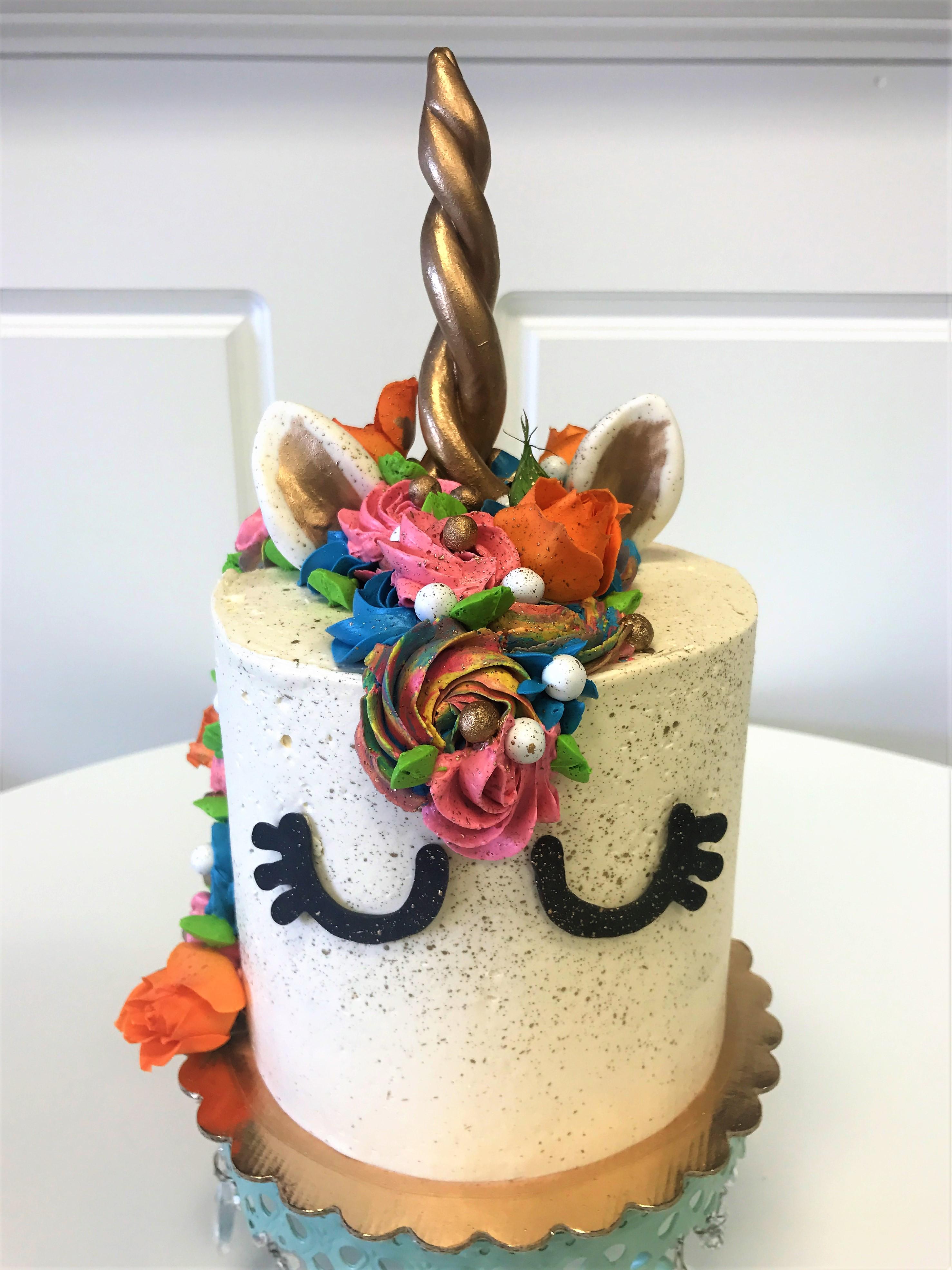 6'' unicorn cake