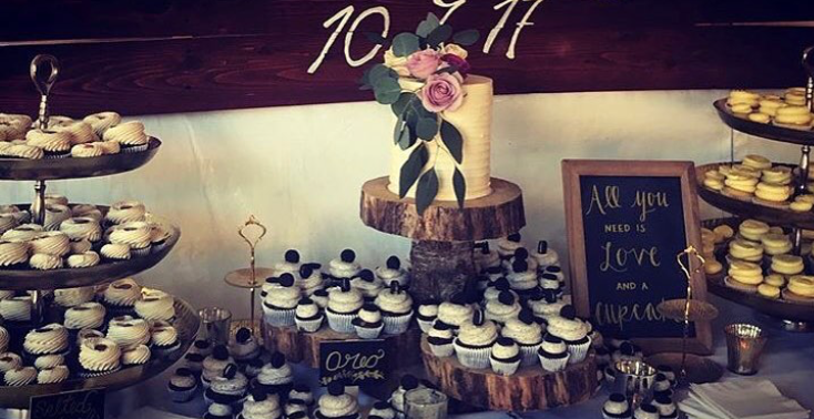 "dessert bar with 6"" cutting cake"