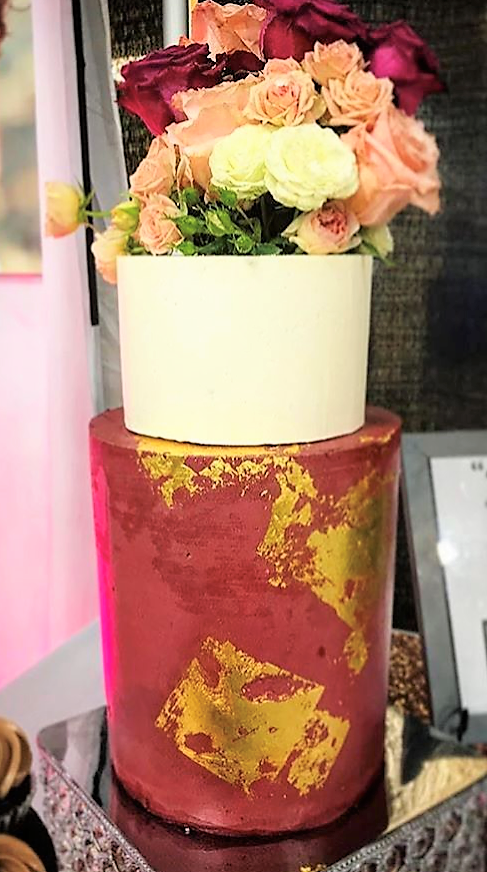 "2 tiered: 6"" short classic simple  / 8"" tall maroon with gold leaf"